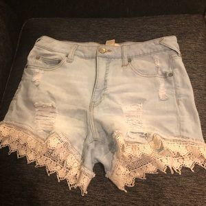 Alta'D State ripped shorts with lace